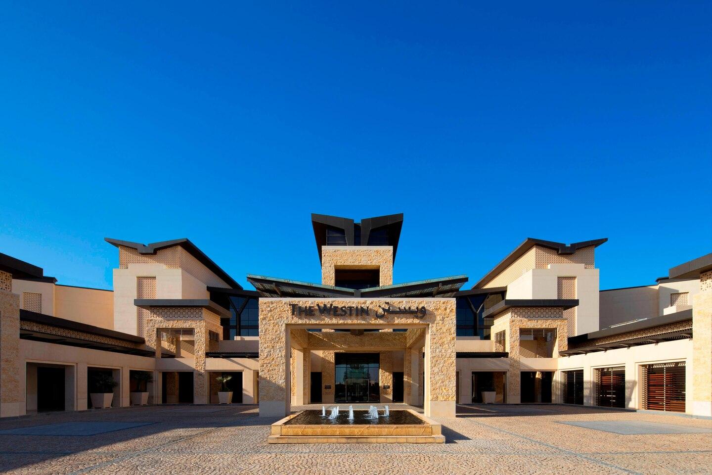 The Westin Abu Dhabi Golf Resort Spa Entrance 0532 Hor Clsc
