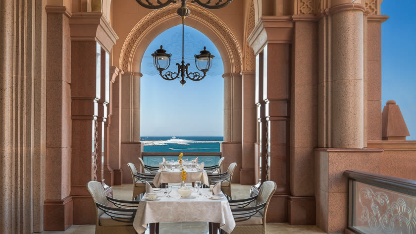 Emirates-Palace-Le-Vendome-Brasserie