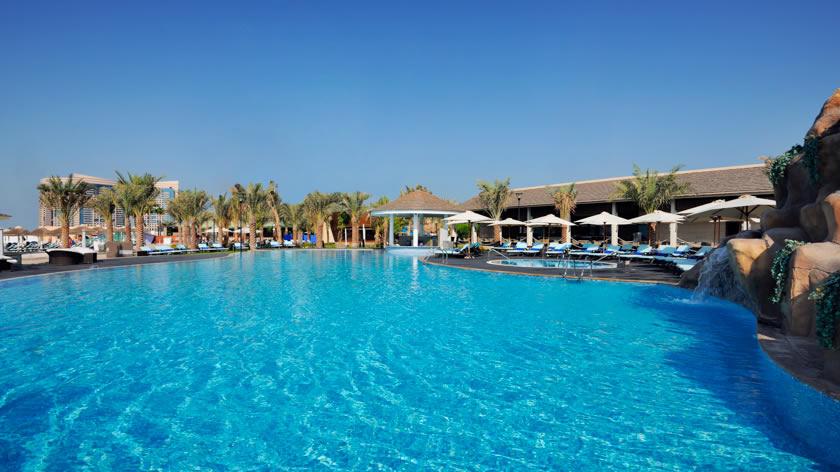 Intercontinental-Abu-Dhabi-The-Bayshore-Swimming-Pool