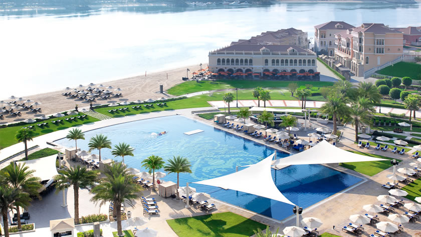 Ritz-Carlton-Abu-Dhabi-Grand-Canal-Pool-and-Beach