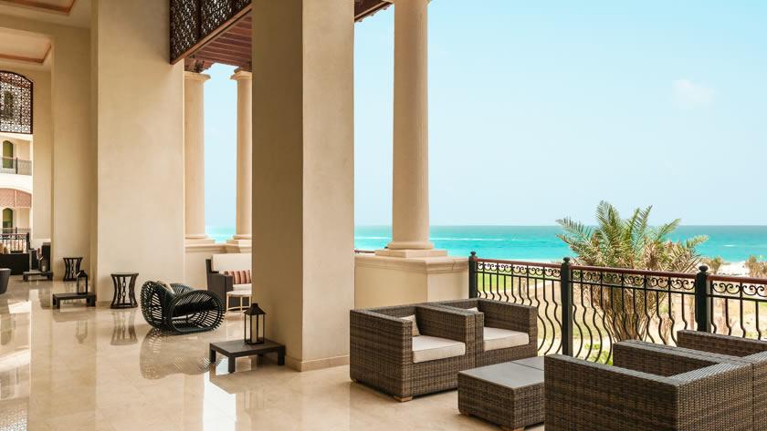 St.-Regis-Saadiyat-Island-Resort-The-Manhattan-Lounge-Terrace
