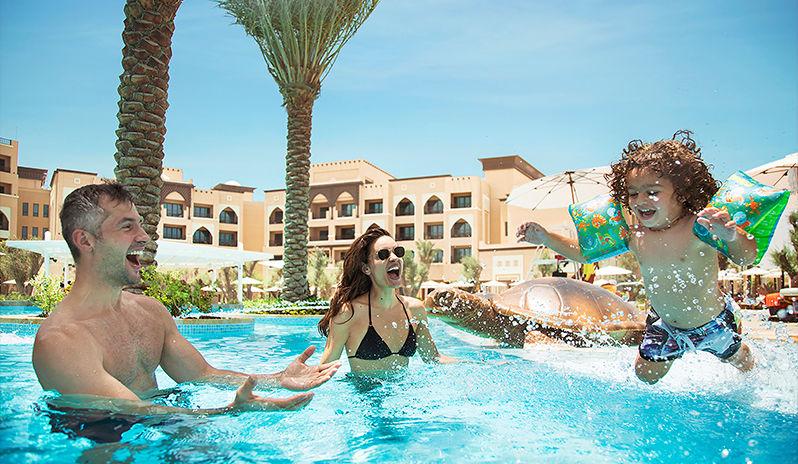 Saadiyat-Rotana-Resort-Villas-Family-Pool