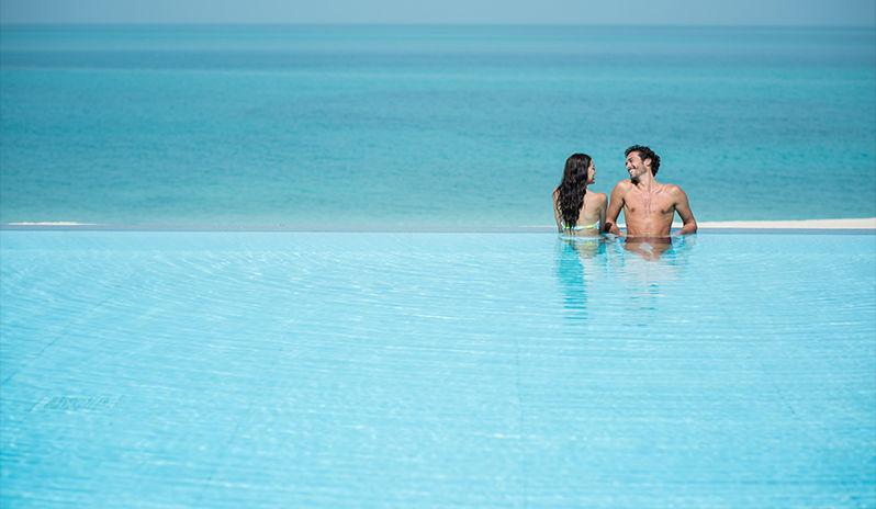 Zaya Nurai Island - infinity pool